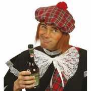 Geruite Schotse pet met pruik