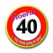 Button in vorm verkeersbord 40 jaar