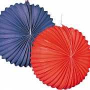Papieren lampionnetjes rood en blauw