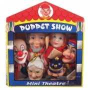 Set van 6 poppen voor theater