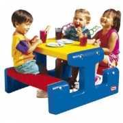 Gekleurde kinder picknick tafel