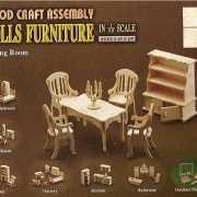 Houten poppenhuis meubels eetkamer